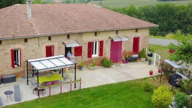"""Chambres d'hôtes """"La Grange de Castelys"""", Laymont, Savès"""