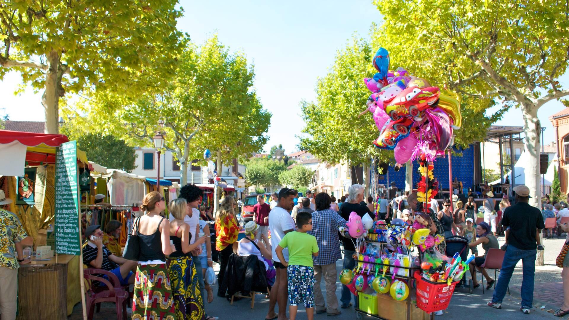 Samatan market, Lombez, Savès, Gers, Gascogne, France.