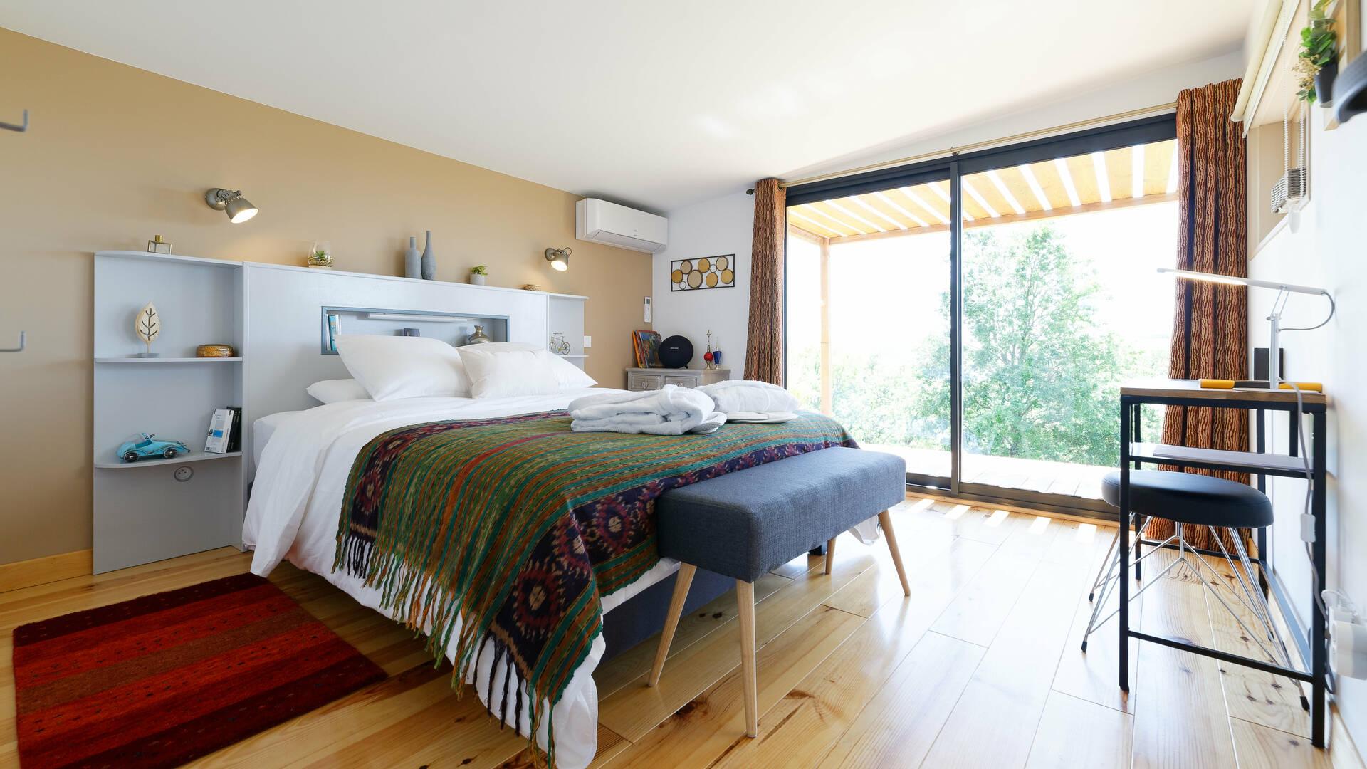 Bedroom, B&B Saga, Savignac-Mona, Lombez, Samatan, Savès, Gers, Gascogne, France