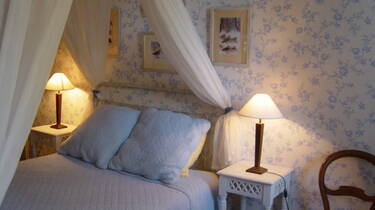 Chambre du Parc, Le Parc de Pétrarque, Chambres d'Hôtes dans le Savès.