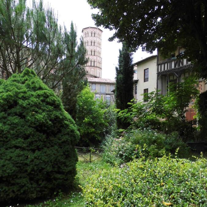 Vue sur la Cathédrale Sainte Marie, Le Parc de Pétraque, Lombez, Savès