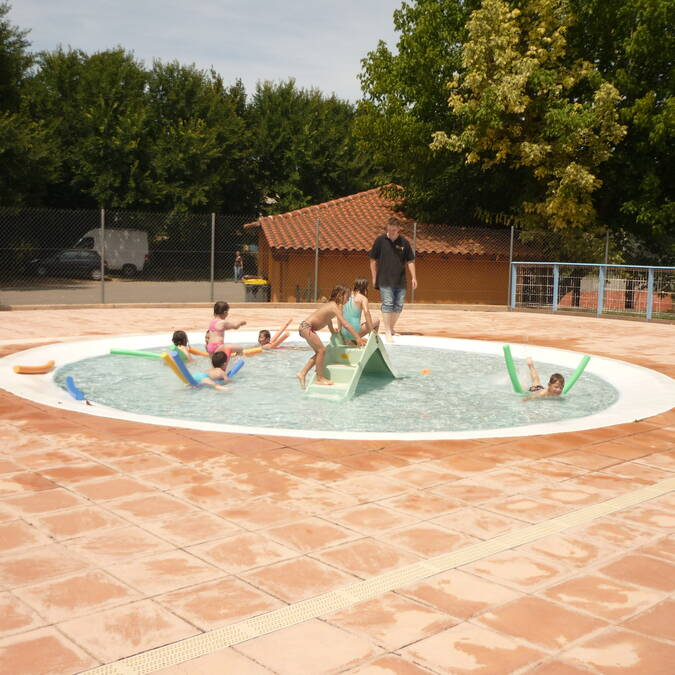 Piscine, Samatan, Lombez, Savès, Gers, Gascogne, France.